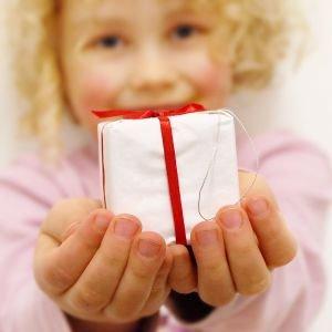 generosity-girl-giving1